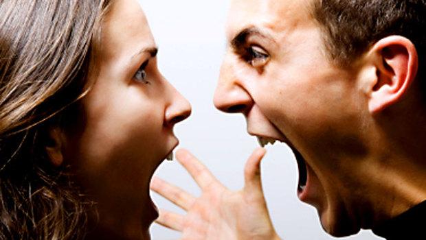 angry_couple_istock_0000154_620x3501